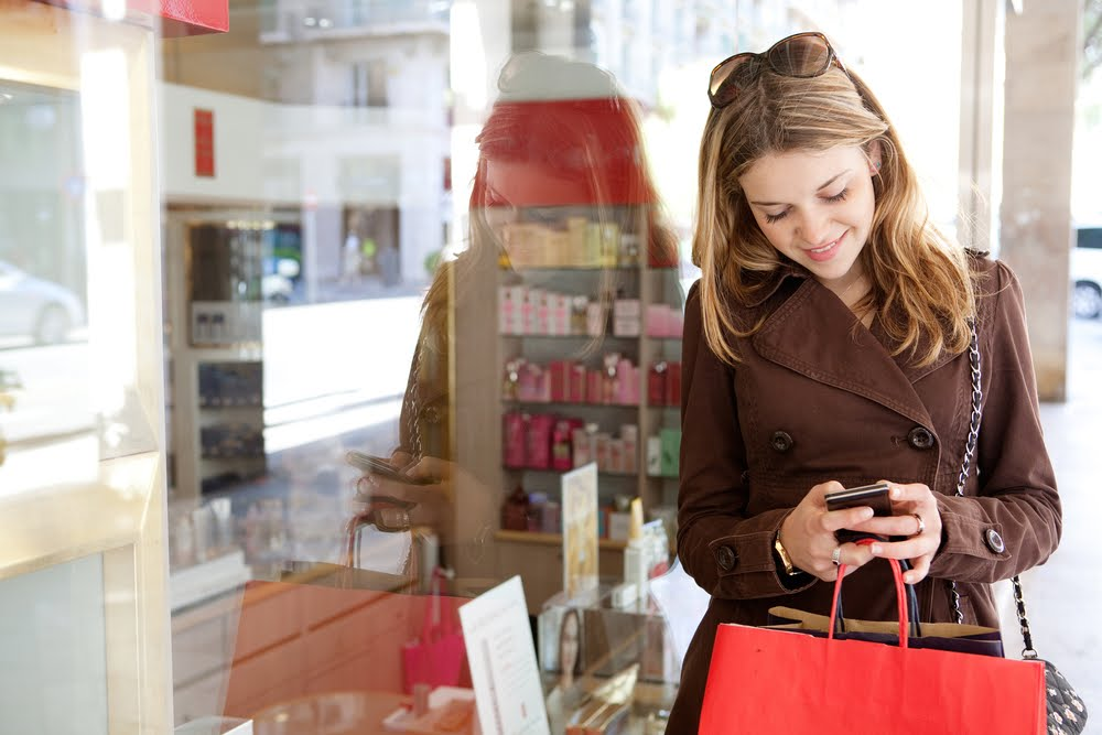6 Tips on Shopping Smart During the Holidays